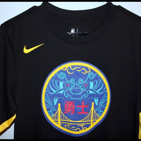 83189e4db2c Nike Golden State Warriors Long Tee Asian Dragon.  M 5c05e147f63eeace72f6ff74. Other Shirts you may like. Men s Small Nike Dri- Fit Short Sleeve ...